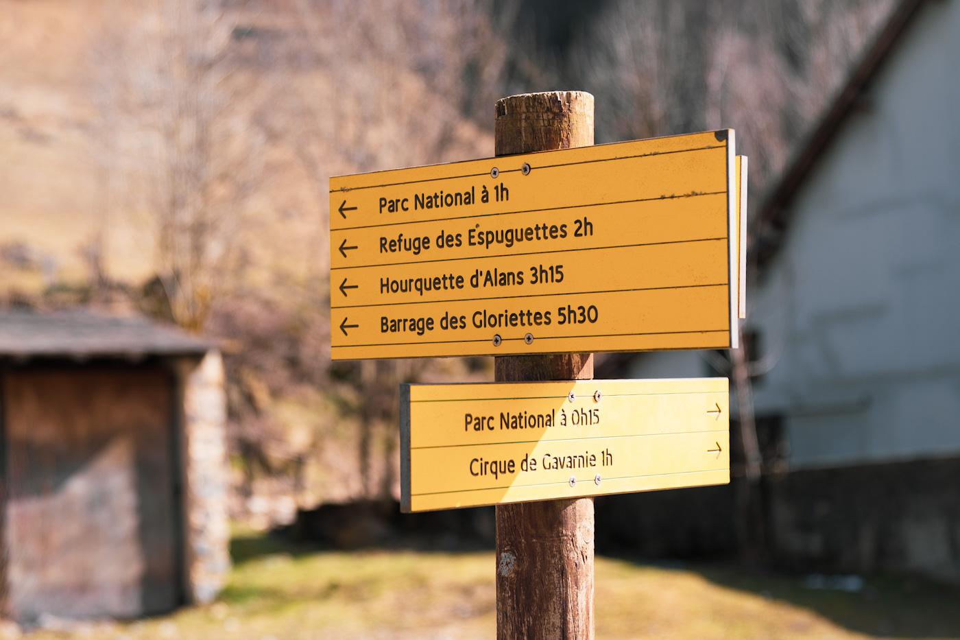 panneau indication pour la randonnée